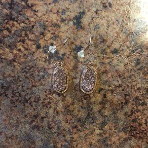 Lee Gold Drop Earrings in Gold Drusy